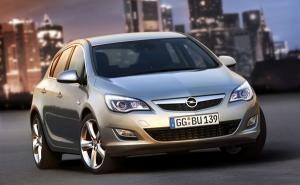 Opel-Astra-Berline-Compacte-Copyright-Opel-3_300_185
